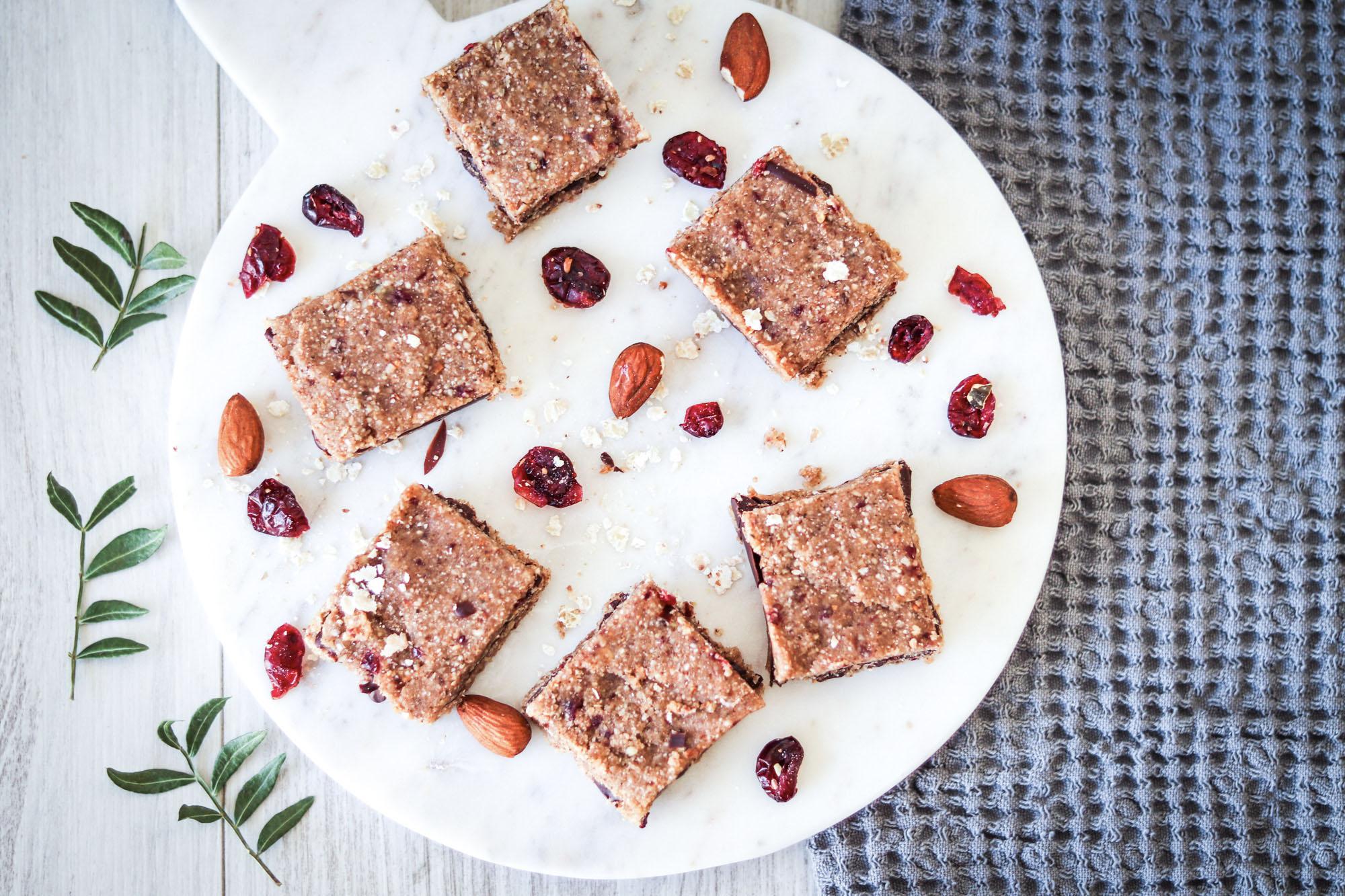 Recette-petits-gateaux-carres-sarrasin-chocolat-cranberries
